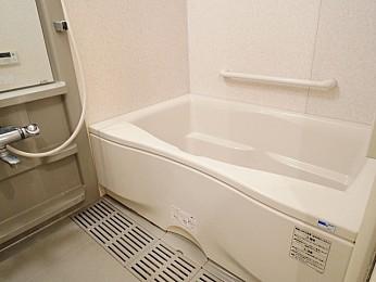 追い焚き・浴室乾燥機付で機能性の高いバス