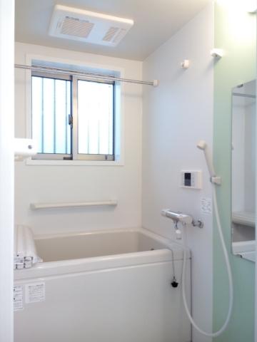 追い焚き・浴室乾燥機付き風呂