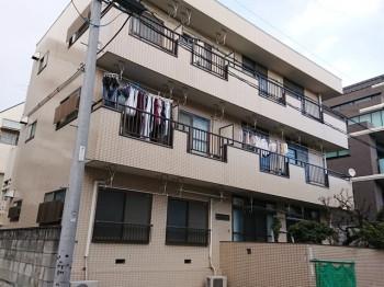 3階建ての鉄骨造マンション!