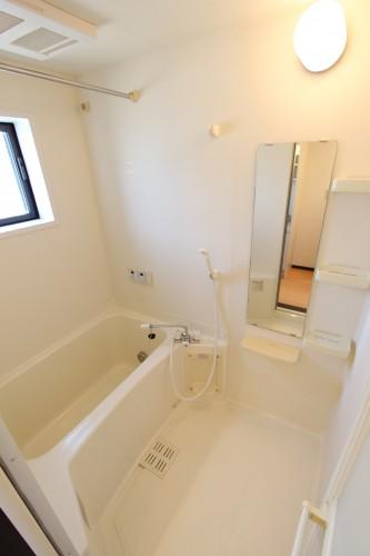 追い炊き機能・浴室暖房乾燥機完備