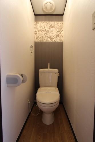 温水洗浄便座完備のトイレ♪