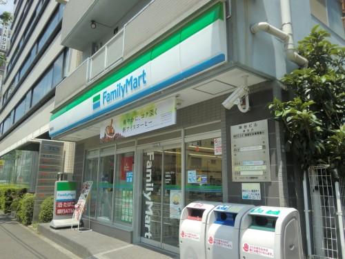ファミリーマート鶴屋町店