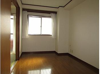 洋室6帖 南向きで日当たり良好なお部屋♪
