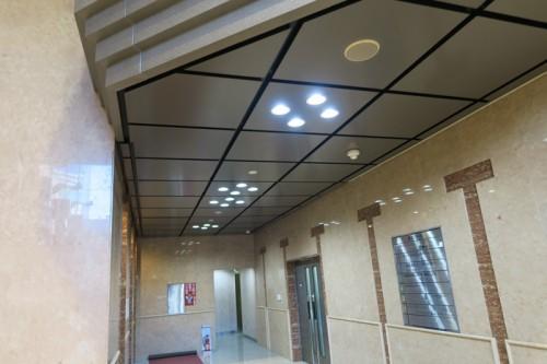 横浜クリード 1階 エントランス