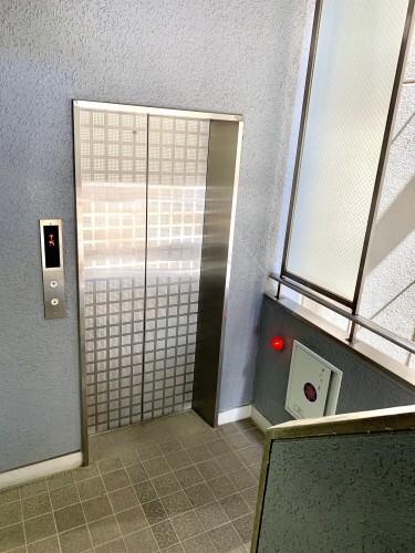 第2小川ビル 3階エレベーター