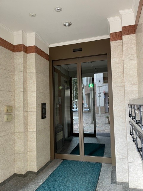 東京茶業会館 入口ドア