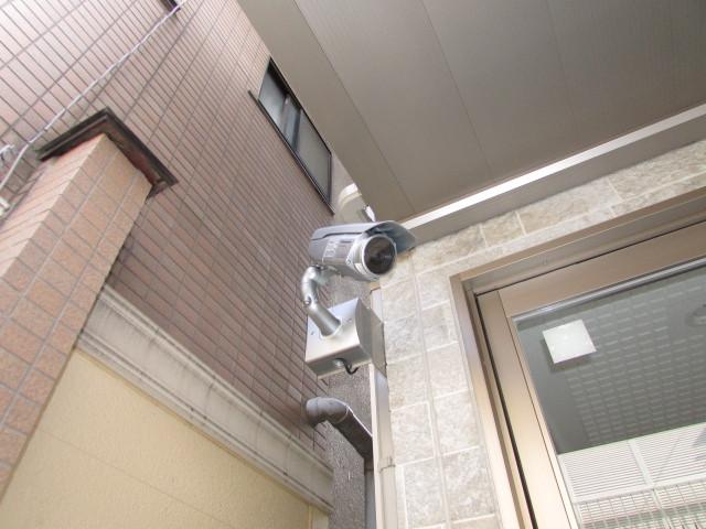 建物入口防犯カメラ