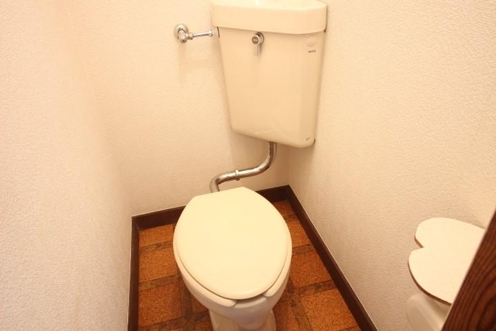 1,2階それぞれにトイレ有り
