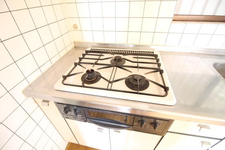 キッチン 3口システムガスキッチン(グリル付)