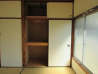 上段にも収納スペースのある大きな収納 たっぷり収納できます