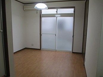 洋室6帖 窓も大きく解放感のあるお部屋です♪