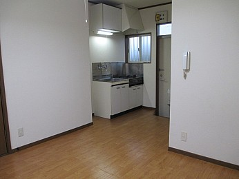 洋室6帖 キッチンスペースが離れており1Kのような1Rです♪