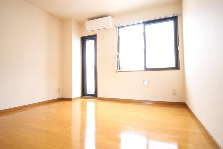 洋室6帖 人気の最上階のお部屋です♪