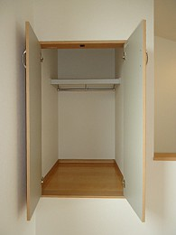 3階の洋室6帖の収納スペース♪
