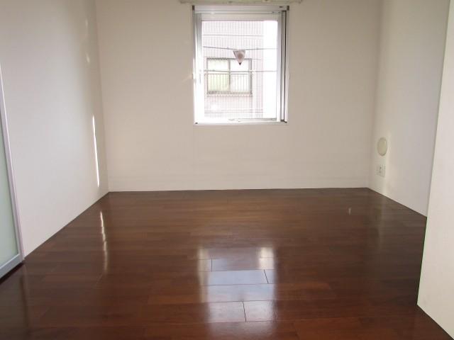 3階角部屋、2面採光