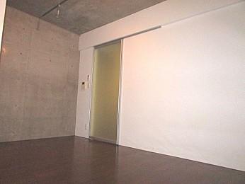 内壁コンクリート部分もありお洒落なデザイン