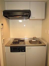 キッチン スペース広めでお料理も楽しめます♪