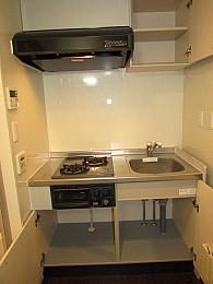 キッチン 収納もたっぷりあり利便性良好