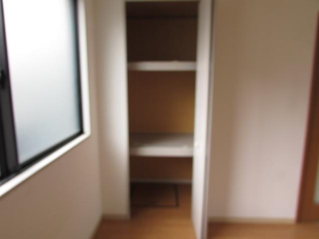 洋室7帖 大きな収納付きのためお部屋を有効的に使えます♪