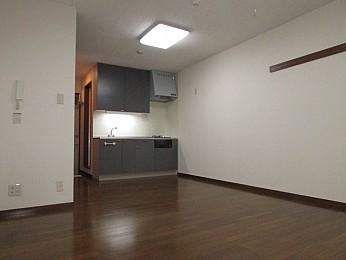 洋室11帖 使い勝手の良い綺麗なキッチン完備♪