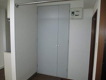 玄関スペースに大きな収納完備♪
