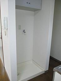 室内洗濯機置場完備で雨の日も安心♪