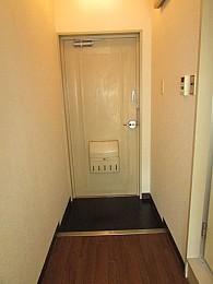 白を基調とした清潔感のあるお部屋♪