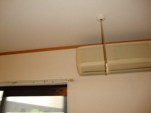 室内物干し エアコン
