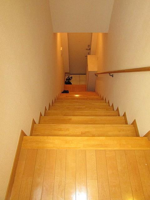 玄関から2階にあるお部屋へ・贅沢な空間です