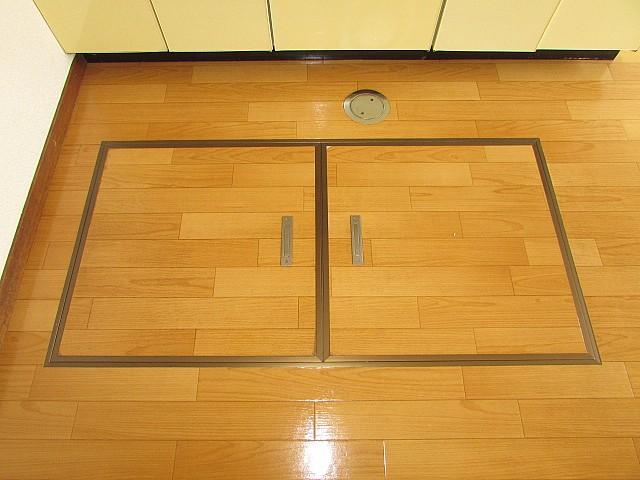 キッチン 床下収納付