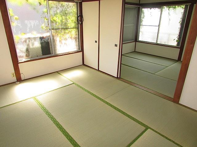 落ち着いた和室のお部屋です。