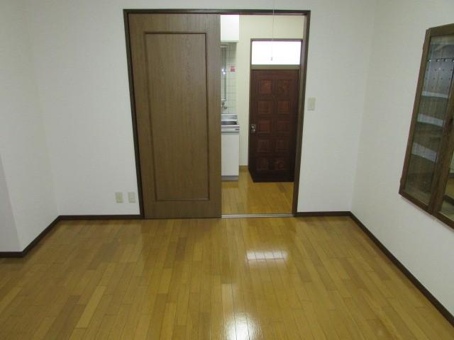 洋室7帖・広々とした室内です。