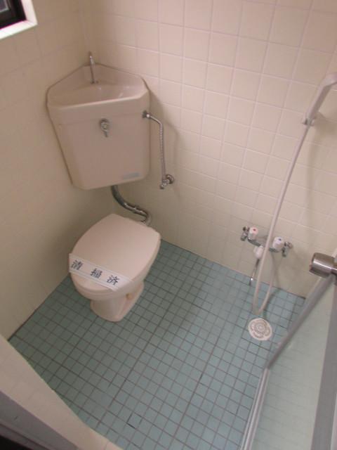 トイレ・シャワー付
