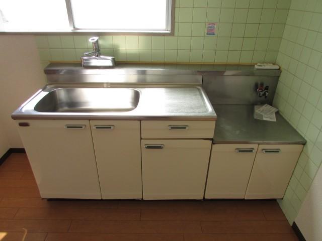 キッチン 2口ガスコンロ設置可 窓もあり換気良好