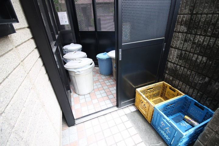 敷地内専用ゴミ置場