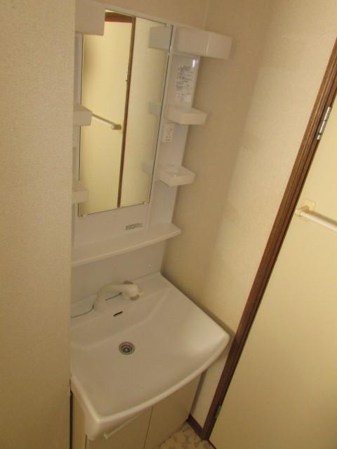 独立洗面台(シャワーヘッド)