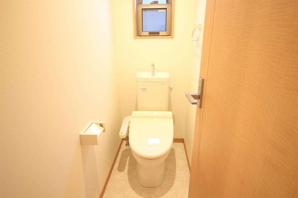 トイレ バストイレ別 ウォシュレット完備♪