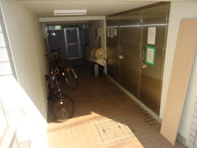 建物入口・共用部分