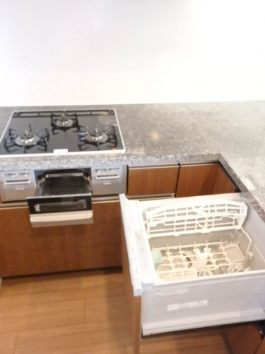食器洗浄機とシステムキッチン