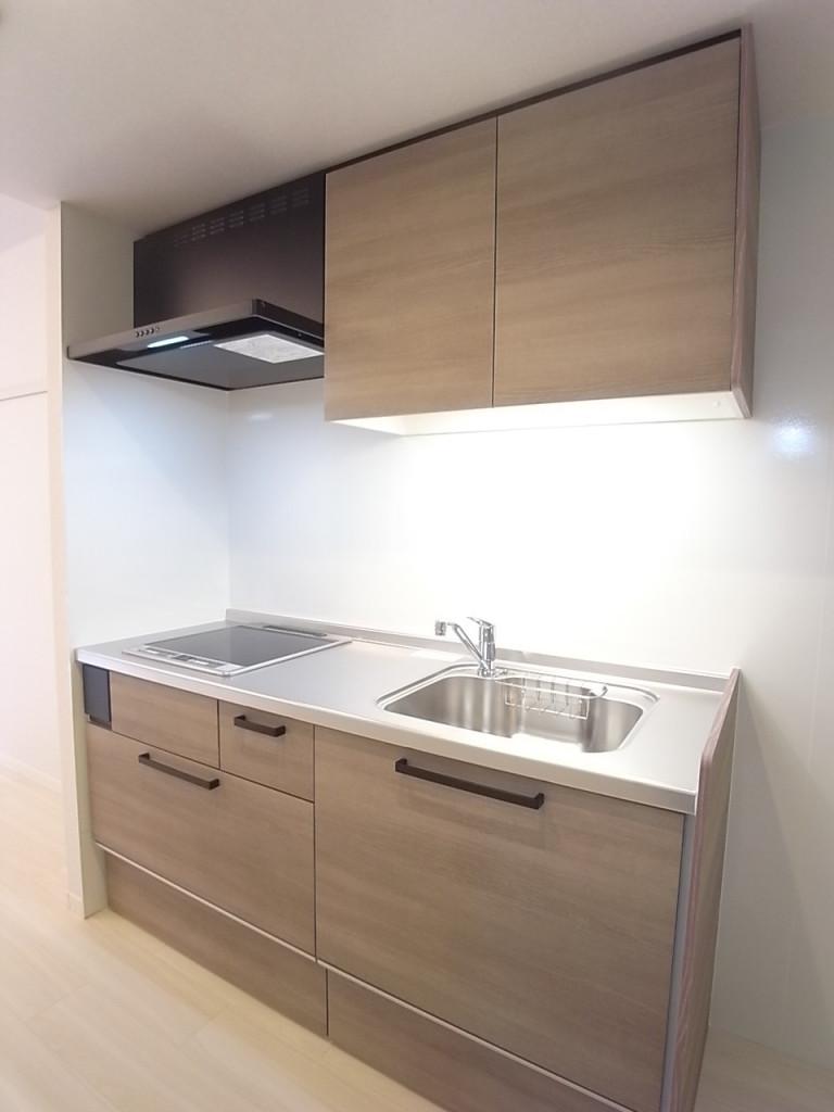 大型の収納が便利なキッチン!