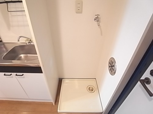 洗濯機置場。水漏れ時に安心の防水パン付き!