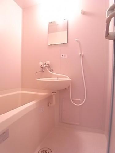 浴室。一日の疲れを癒してください!