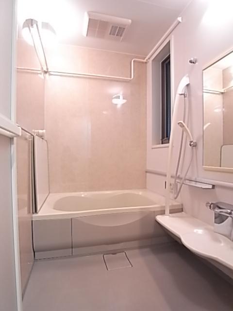 浴室は追い焚き・乾燥機能付き!一日の疲れをゆったり癒せます!