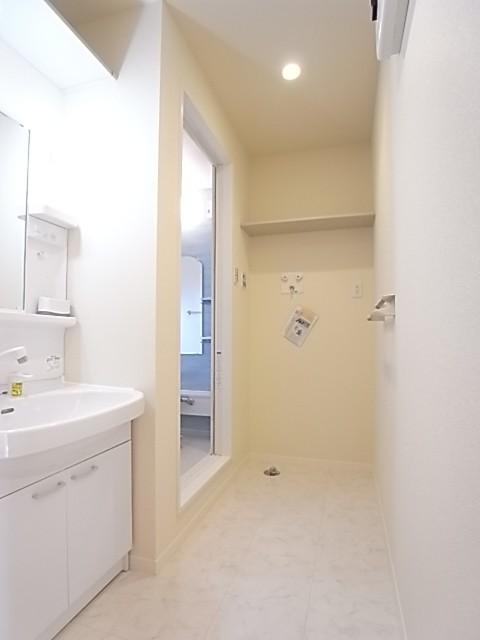 洗面脱衣所はファミリーでもゆとりがある広さ!