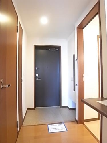 玄関方向を撮影