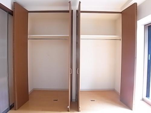 収納は壁一面で大容量!