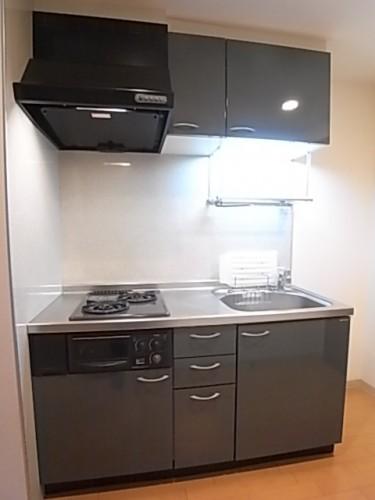 収納豊富なシステムキッチンです!
