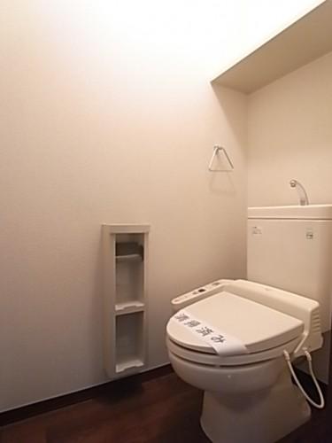 温水洗浄便座付きトイレです!