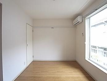 床にはクッションフロアを採用!
