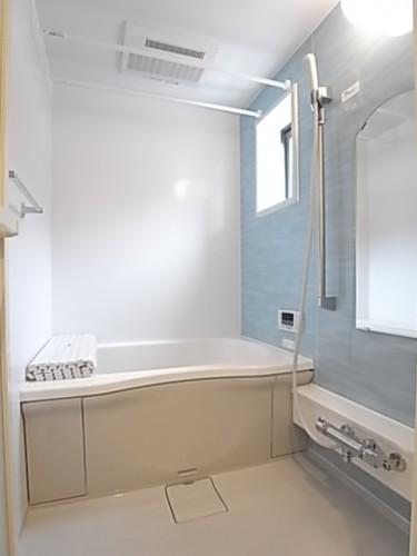 清潔感のあるバスルーム!一日の疲れを癒してください!